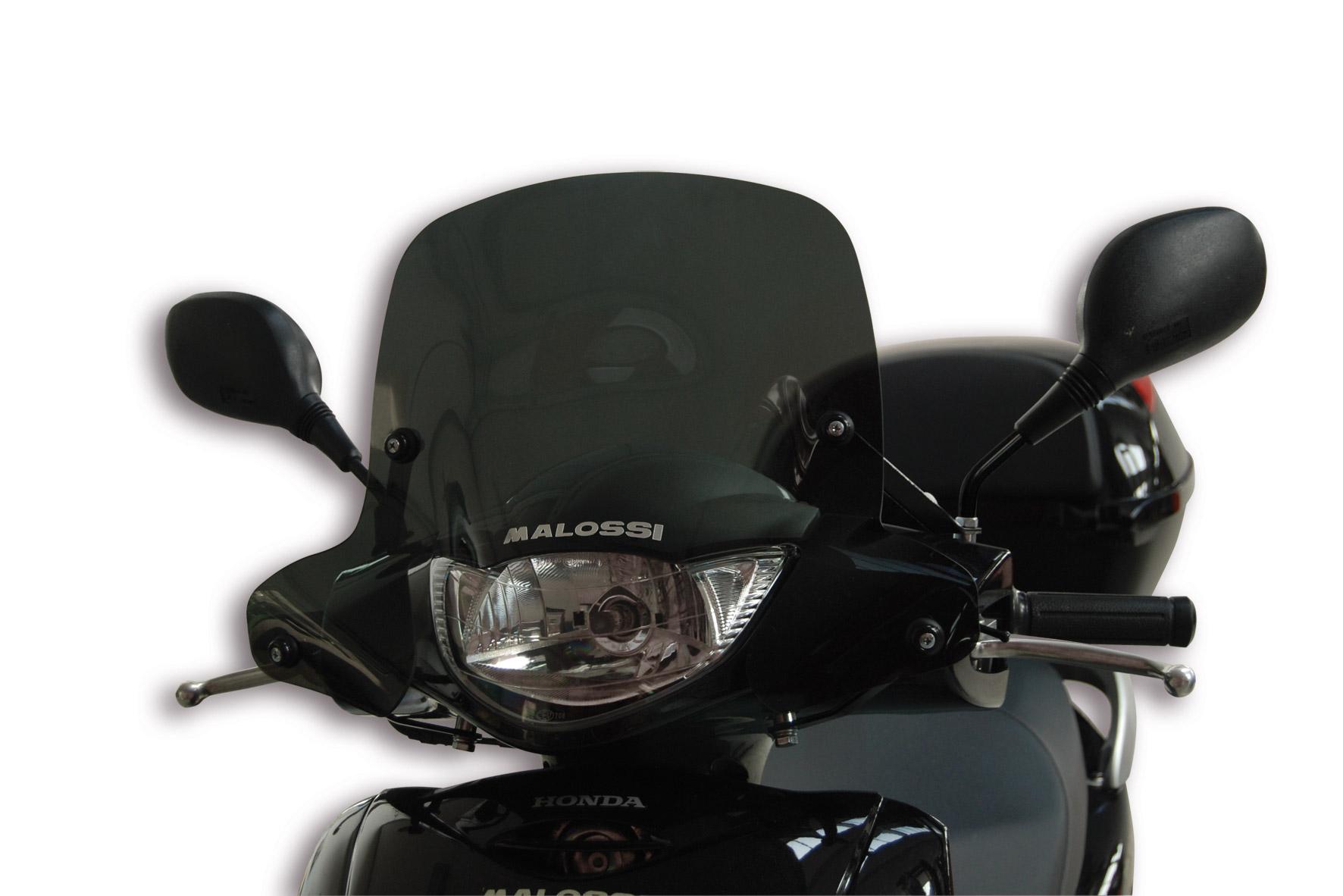 Cupolino SPORT SCREEN di colore fumé scuro - lunghezza 48 x altezza 36 x spessore 0,3 cm